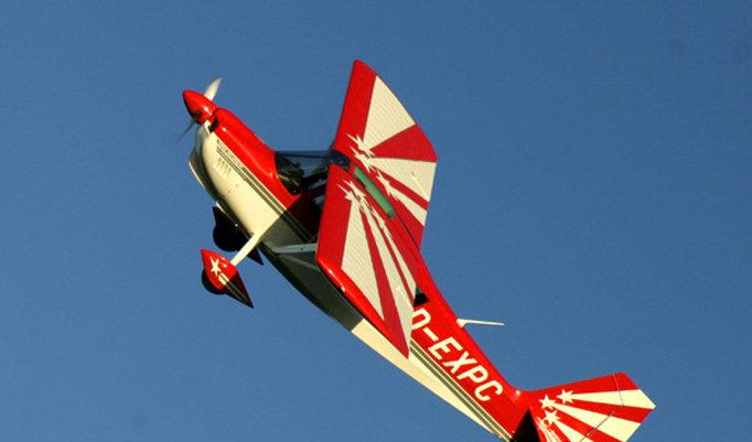 Flugmanöver mit einer Super Declathon