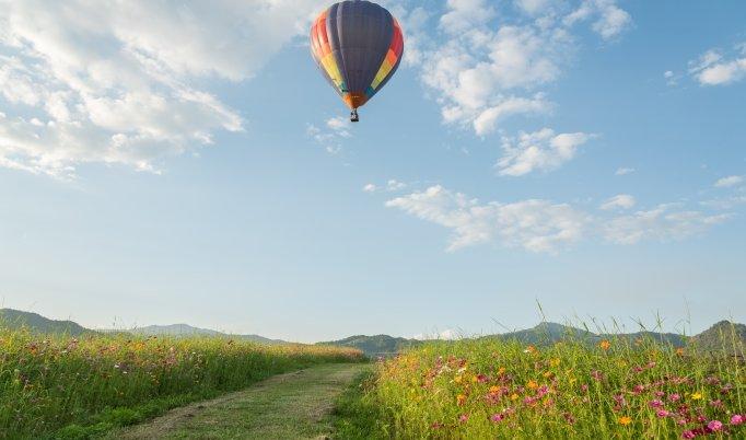 Ballonfahrt mit blauem Himmel in Großbottwar