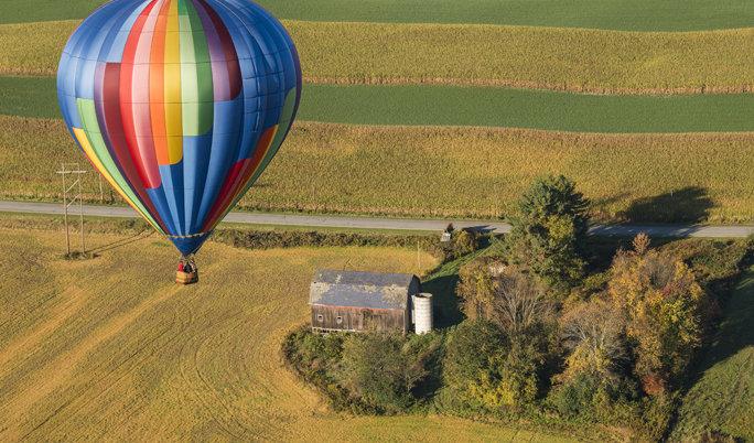 Ballonfahrt mit blauem Himmel Enzkreis