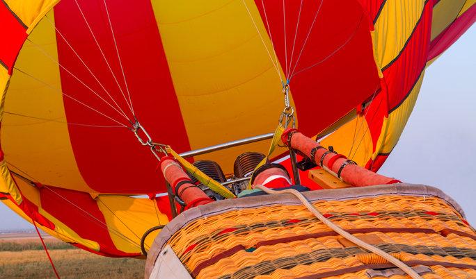 Ballonfahrt mit blauem Himmel in Uckerland